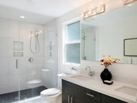 Cottage : Salle de bains moderne