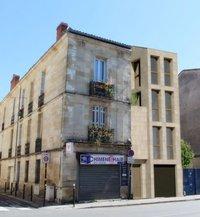 89 rue Henri IV : Immeuble couvert de pierre blonde bordelaise