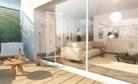 Parenthèse : Terrasse avec lames de bois accessible depuis un séjour confortable
