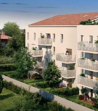 Parenthèse : Immeuble donnant sur un sentier piéton entouré d'espaces de verdure