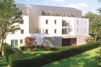 Equation : Immeuble moderne avec espace vert