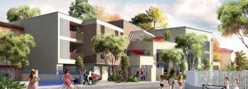 Toulou'Zen : Immeuble moderne couverts de briques rouges